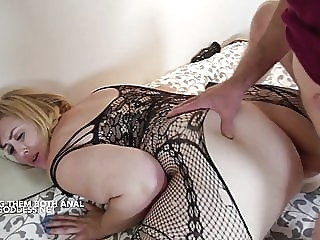 Lucky Art gives two hot BBWs Anal sex anal spankwire blonde
