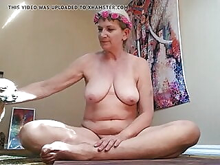 Senior Yoga brunette spankwire hairy