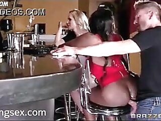 Superbe sodo au bar anal spankwire bar
